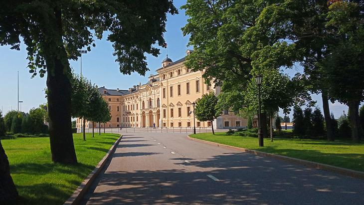 Константиновский дворец в Стрельне Санкт-Петербург.